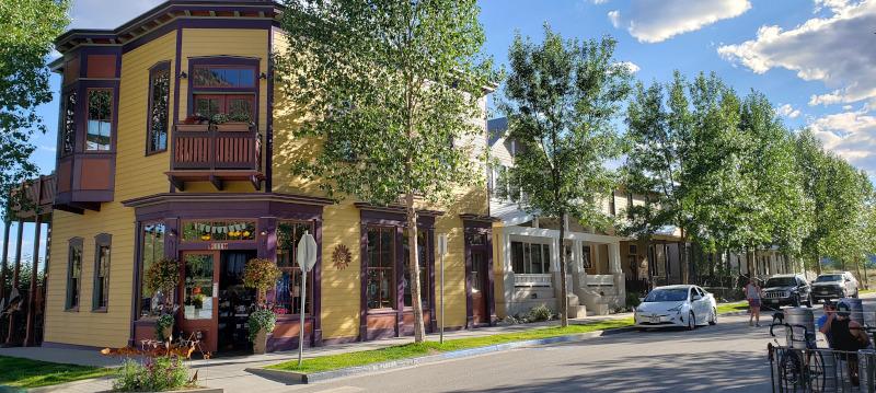 Buena Vista Quaint Storefront