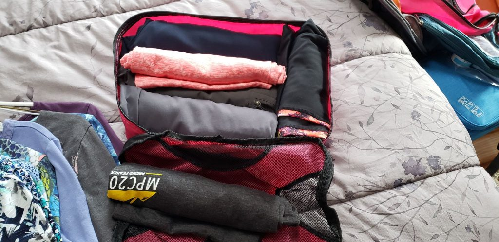 using packing cubes to pack my pants
